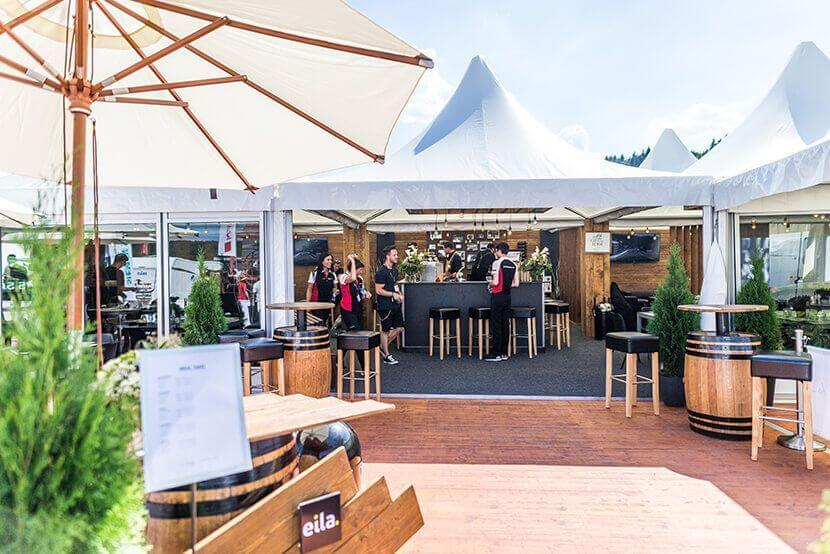 Terrace in an exclusive mobile event location by eila