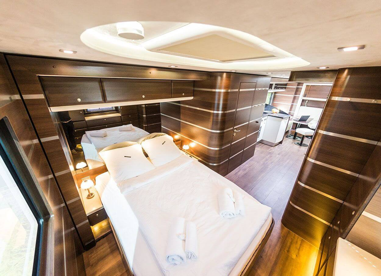 Bedroom in an exclusive motorhome by eila