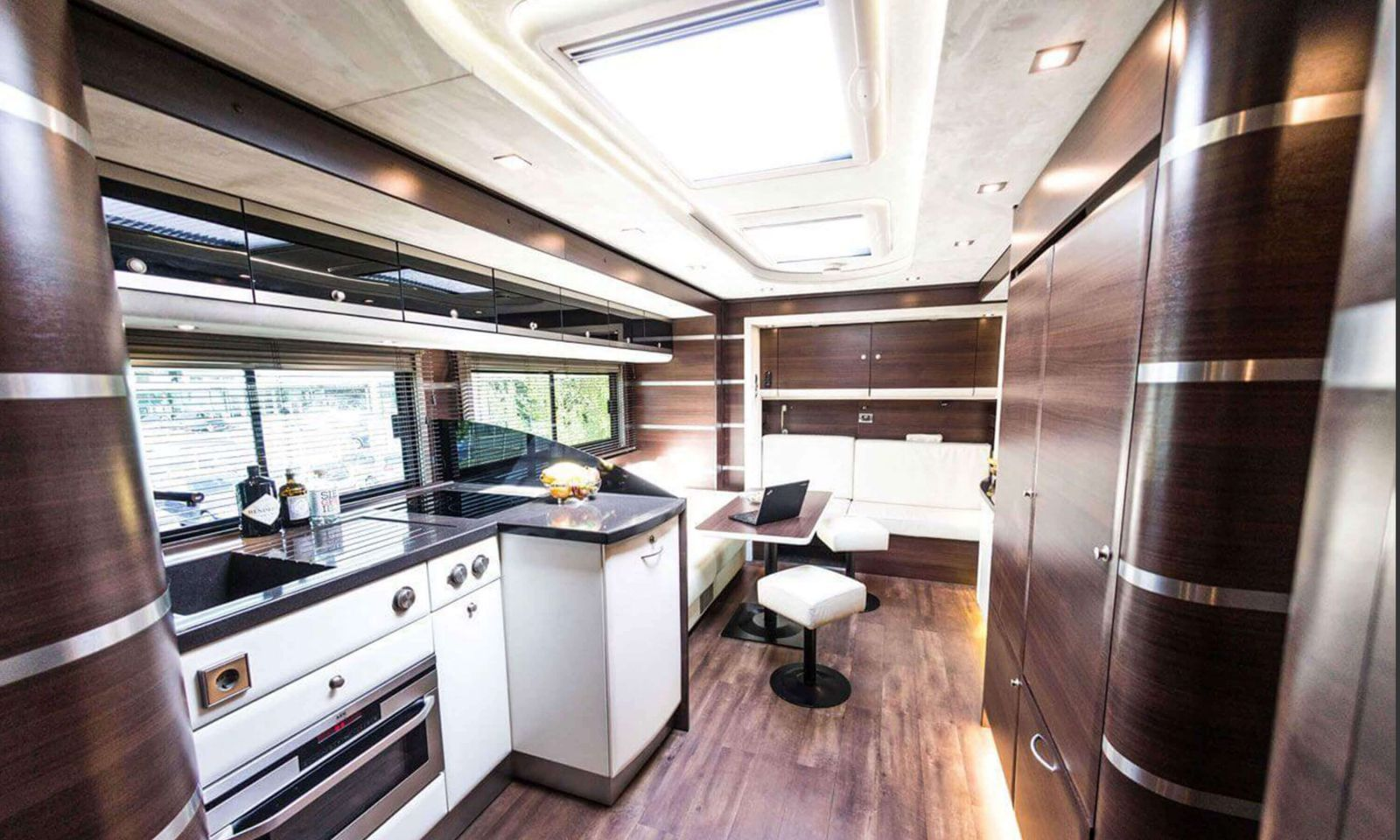 Rent an exclusive motorhome at eila